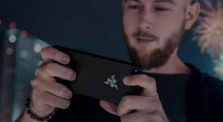 ركزت Razer جهودها فيما يخص تصنيع الهاتف الذكي على جمهورها المعتاد وحاجاته