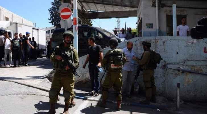 الاحتلال يغلق وسط الخليل تمهيدًا لاقتحامات للمستوطنين