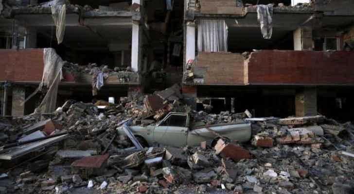 جانب من الدمار الذي لحق بقرى إيرانية قرب الحدود العراقية جراء الزلزال