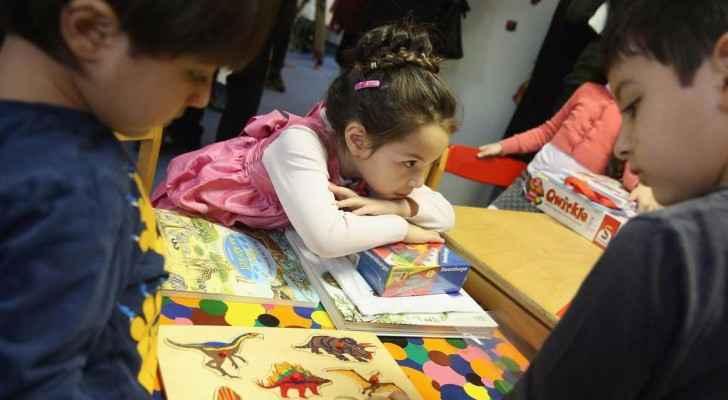 السلطات تقول إن الساعة تستخدم للتنصت في المدارس