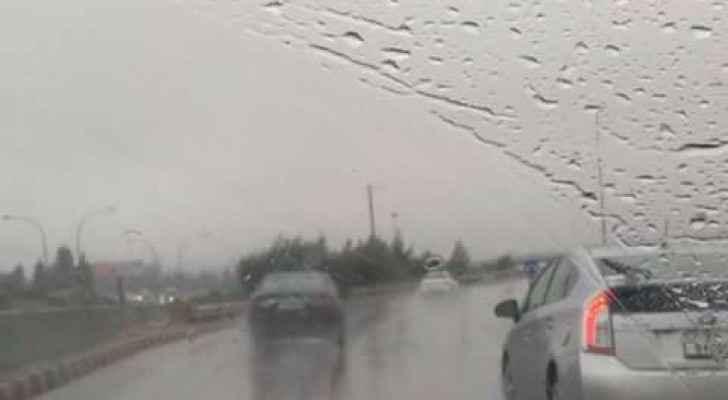 الشتاء في العاصمة عمان صباح الثلاثاء