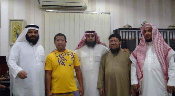 تكريم الفلبيني بعد انقاذه معاقا في سيول جدة