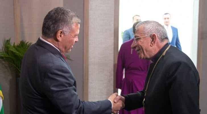الملك يلتقي رجال دين وشخصيات وقيادات مسيحية من الأردن والقدس.. صور