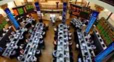 """ارتفاع أغلب البورصات العربية متجاوزة تأثيرات """"عاصفة الحزم"""" بنهاية تداولات الأحد"""