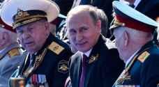 مقبض باب سيارة يفسد استعراضا عسكريا أمام بوتين