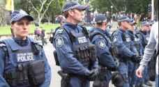 شرطة أستراليا تستعين بالفلفل لفض اشتباك متظاهرين