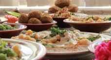 الضريبة تطالب المطاعم الشعبية الالتزام باسعار الوجبات