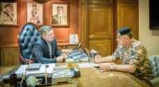 جلالة القائد الأعلى يزور القيادة العامة للقوات المسلحة