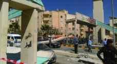 صور وتفاصيل.. اصابات اثر سقوط جسر مشاة في طبربور