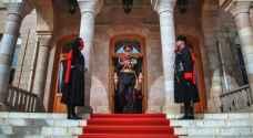 بالصور: جلالة الملك قبيل واثناء خطاب العرش