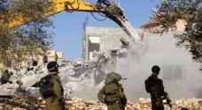 الاحتلال يهدم منشآت سكنية بخربة أم الخير جنوب الخليل
