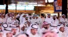 الكويتيون يتوجهون إلى صناديق الاقتراع لاختيار برلمان جديد