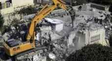 جرافات الاحتلال تهدم منزلًا وبركسًا بالقدس