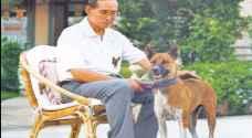 بالصور..ما سر علاقة زعماء تايلاند الغامضة بالكلاب ؟