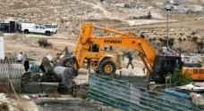 جرافات الاحتلال تهدم منزلين وبركسا في سلوان بالقدس