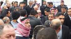 بالصور: وفاة خمسيني أصر على المشاركة بدفن والدة الملقي في إربد