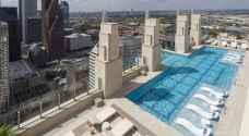 بالفيديو..منشأة فندقية تقدم لزبائنها تجربة سباحة مرعبة