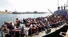 اعتراض وانقاذ اكثر من ٣٥٠ مهاجرا قبالة ليبيا