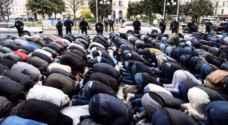 الشرطة الفرنسية تعتقل رجلا حاول دهس حشد أمام مسجد بسيارته