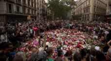 أهالي برشلونة يقيمون الصلوات تكريما لضحايا الاعتداءين