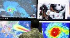 الإعصار إرما يقترب بشدة من جزر ليوارد