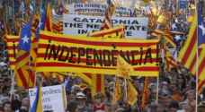 اسبانيا تلاحق قادة كاتالونيا قضائيا بعد الدعوة لتنظيم استفتاء حول الاستقلال