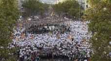 ٤٥٠ ألف شخص يتظاهرون في برشلونة مطالبين بالاستقلال