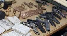 """ضبط 20 سلاحا ناريا بمداهمات لـ """"أقليم الوسط"""" ..صور"""