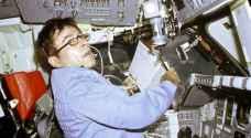 وفاة رائد الفضاء الأمريكي المخضرم جون يونج