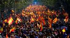 """عشرات آلاف المتظاهرين في برشلونة من اجل """"جمهورية الان"""" في كاتالونيا"""