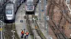 ماكرون أمام امتحان الاضراب في السكك الحديد الفرنسية