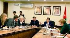 الحكومة تطالب الدول المانحة توفير منح اضافية لقطاع الصحة
