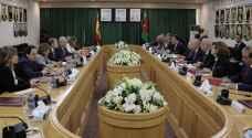 الفايز يطالب المجتمع الدولي بمواصلة تقديم الدعم للأردن