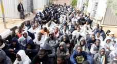 مقتل 12 مهاجرا حاولوا الفرار من مخيم احتجاز في ليبيا