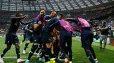 فرنسا تعانق كأس العالم للمرة الثانية بعد فوزها على كرواتيا.. صور