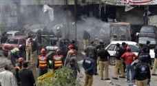 28 قتيلا على الاقل في هجوم انتحاري قرب مركز اقتراع في باكستان