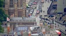 جرحى جراء اصطدام سيارة بمدخل البرلمان البريطاني