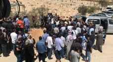 تشييع جثمان الفنان الراحل ياسر المصري في الزرقاء - فيديو وصور