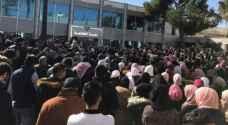 طلبة جامعة البلقاء يعتصمون احتجاجا على نظام العلامات الجديد.. صور