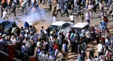 الشرطة السودانية تواجه المتظاهرين.. والبشير يرفض اتهام الأمن بقتلهم