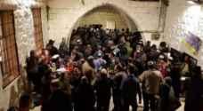 """مئات المستوطنين يقتحمون """"قبر يوسف"""""""
