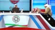 محلل قنوات دبي الرياضية يسقط مغشيا عليه على الهواء.. فيديو