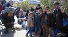 100 لاجئ سوري عادوا إلى بلادهم الأربعاء