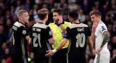 الاتحاد الأوروبي يكشف سبب احتساب هدف أياكس وركلة جزاء مانشستر يونايتد