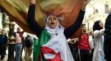 الرئيس الجزائري يكلف وزير الداخلية بتشكيل حكومة جديدة