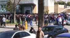 إقبال على اليوم الوظيفي في عمان وسط تخوفات من حقيقة الوظائف المتاحة - فيديو