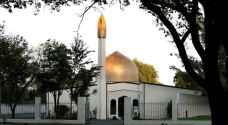 المصلون يعودون إلى مسجد النور في نيوزيلندا