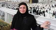 """""""بالحجاب والعباءة السودة"""".. إلهام شاهين تؤدى مناسك العمرة"""