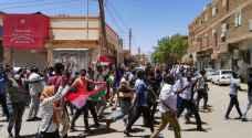السودان.. مسيرات غاضبة تتجه إلى وزارة الدفاع ومقر البشير