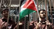 مئات الأسرى يبدأون إضرابهم بعد تعنت إدارة سجون الاحتلال